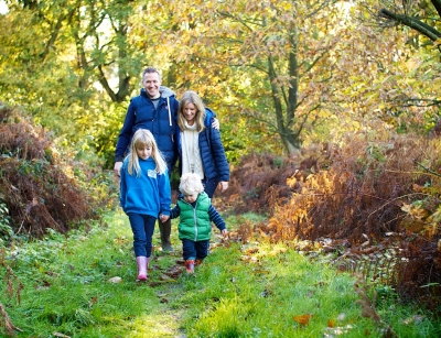 Natural family photography in autumn, surrey